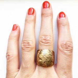 Boho & chunky brassy gold textured band ring